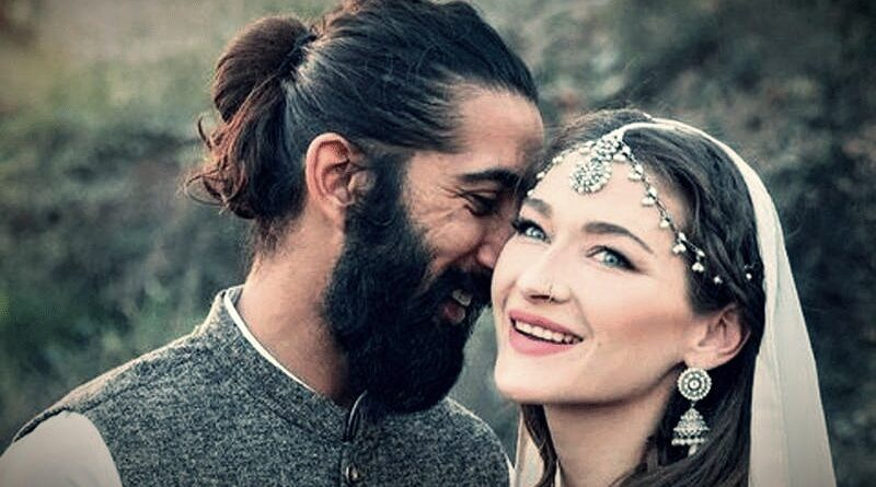 Canadian Vlogger Rosie Gabriel Married a Pakistani Boy