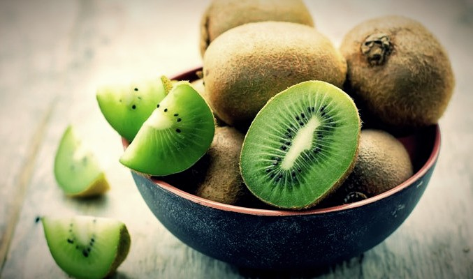 Kiwi Fruit Benefits For Skin, Heart, and Digestive system