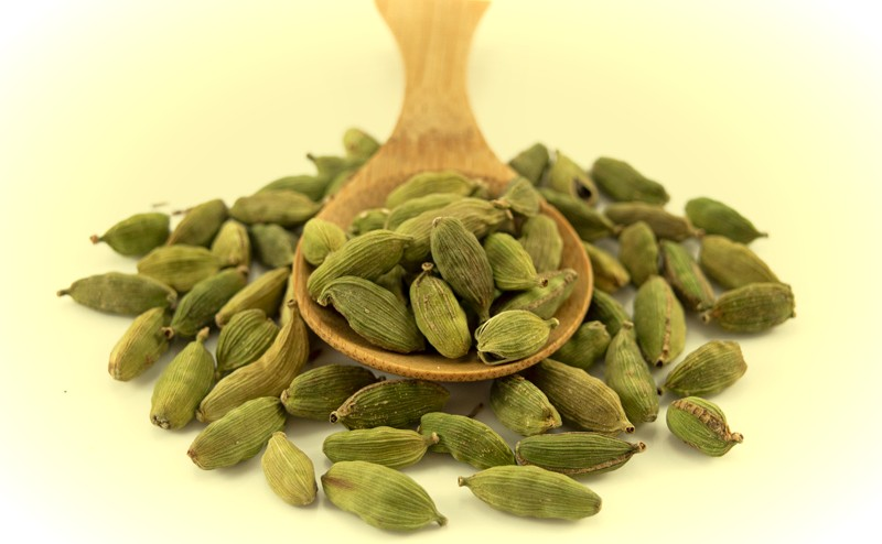 Benefits Of Eating Cardamom In The Morning