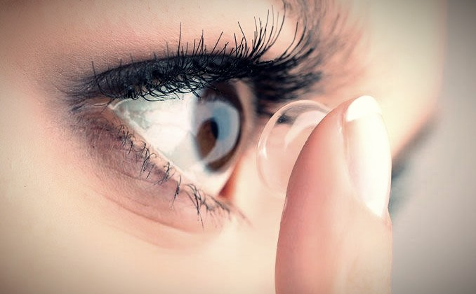 How To Put Contact Lens